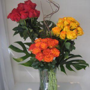 Cilindro 36 rosas en rojo con amarillo