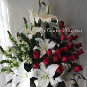 Rosas y casablancas